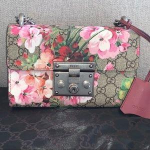 Gucci Blooms GG Supreme Monogram Small Padlock Bag